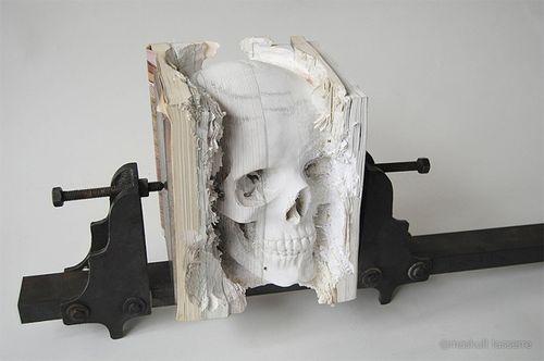 Book-Skull-2